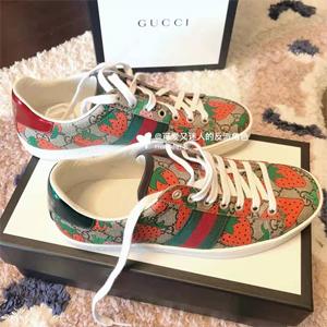Gucci古驰 NEW ACE 草莓印花鞋