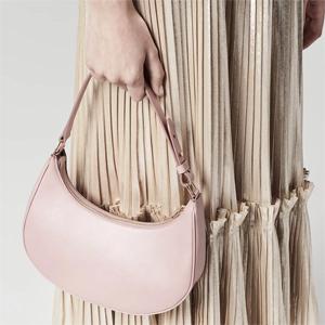 跟着Lisa买包包:Celine Ava三色新款上新