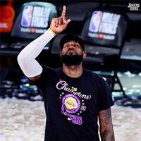 Nike洛杉矶湖人队冠军总决赛男士T恤