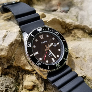 Casio卡西欧 MDV106-1AV 男士潜水腕表